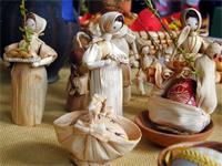 "Чешские пасхальные куклы из кукурузной шелухи // фото: сайт ""радио Прага"""