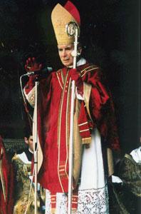 Архиепископ Лефевр в старом облачении