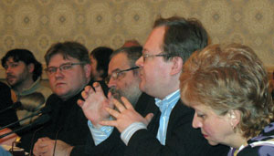 Слева направо: И. Хаськович, Д. Данилов, В. Карпец. Выступает — А. Елисеев.