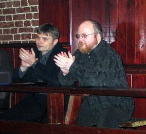 Справа налево: К.Крылов, В. Голышев (лучший политический анализ года)