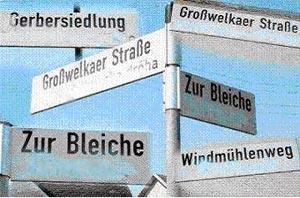 Надписи на серболужицком языке закрашены, а на немецком — оставлены