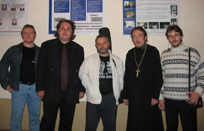 Соорганизаторы фестиваля и Роман Неумоев